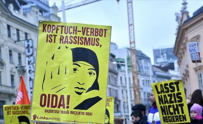 Avusturya'da okullarda başörtüsü yasağı