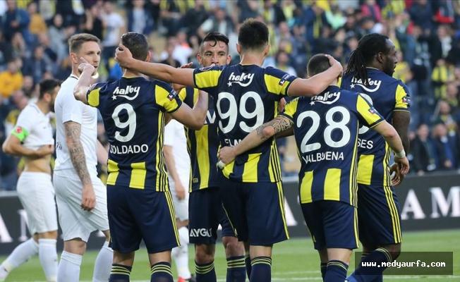 Fenerbahçe sezonu seyircisi önünde açıyor