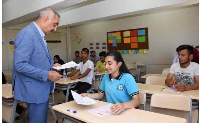 Hilvan Belediyesi'nin eğitime desteği sürüyor