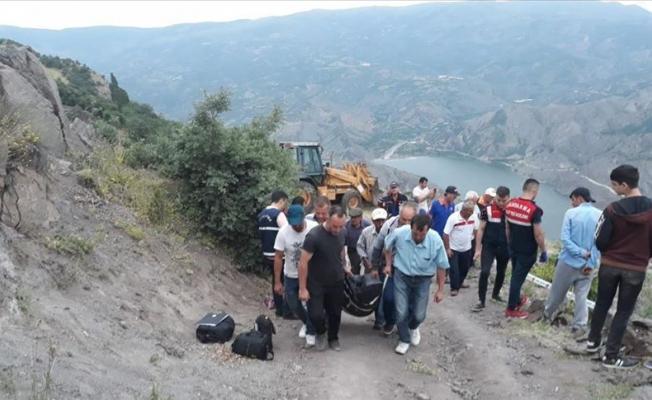 Çorum'da traktör uçuruma yuvarlandı: 3 ölü, 1 yaralı