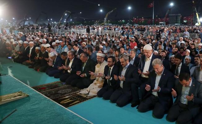 Erdoğan 'Enderun Teravihi'ne katıldı