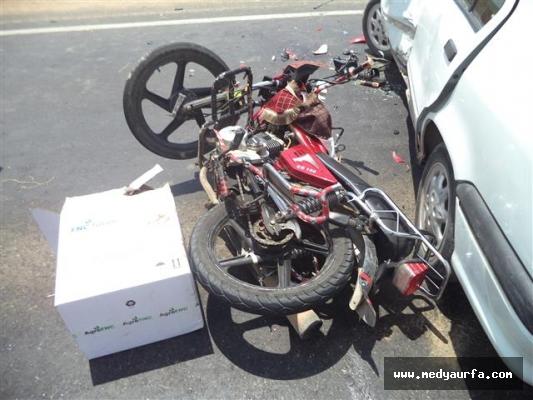 Harran'da motosikletle otomobil çarpıştı