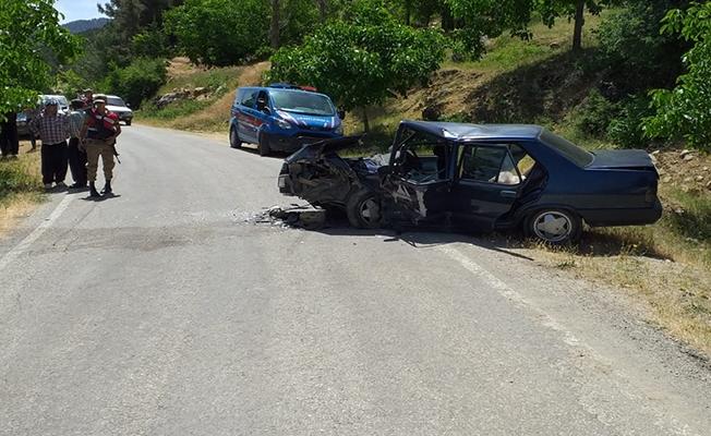 Kahramanmaraş'ta iki otomobil çarpıştı: 13 yaralı