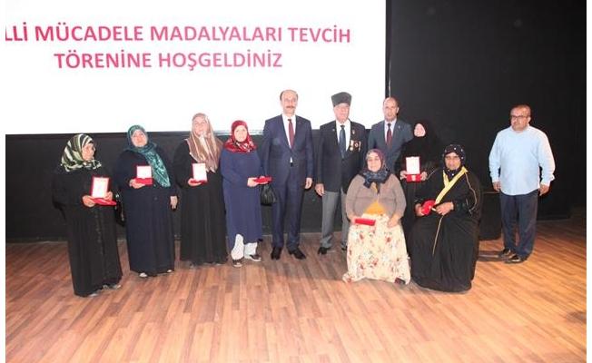Kıbrıs Gazilerine Madalya Tevcihi