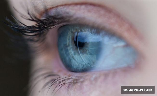 Koronavirüs çocuklarda göz kırma hastalığını artırdı