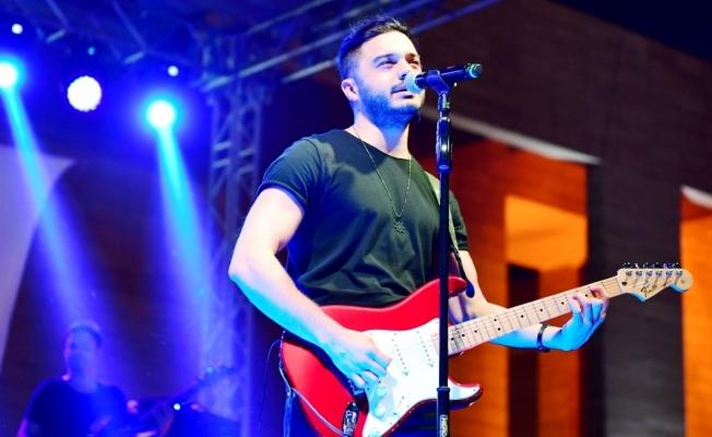 İlyas Yalçıntaş Urfa'da konser verdi
