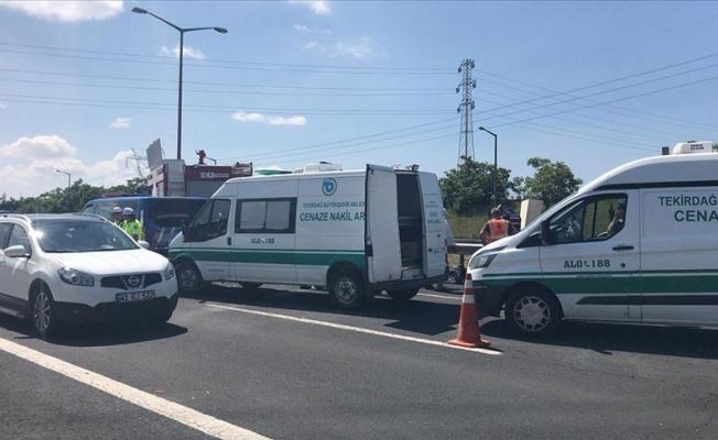 Tekirdağ'da tırla otomobil çarpıştı: 5 ölü
