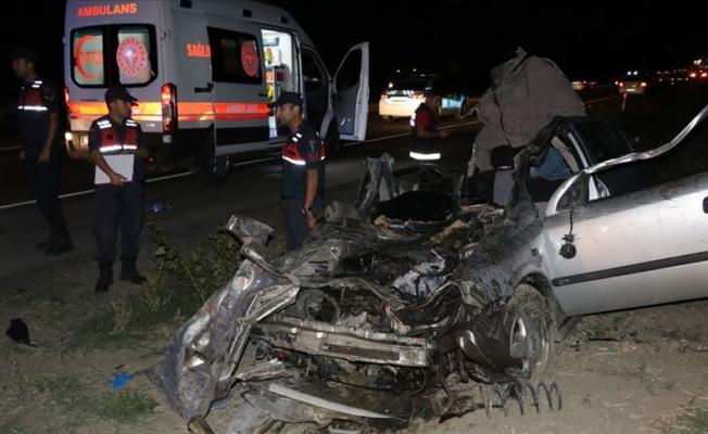Yozgat'ta zincirleme trafik kazası: 2 ölü, 5 yaralı