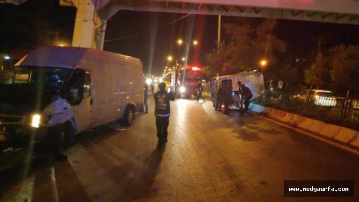 Van'da düğün konvoyunda kaza: 20 yaralı