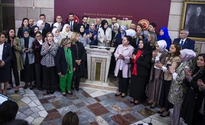 AK Partili vekiller, CHP'li Özkoç'u kınadı