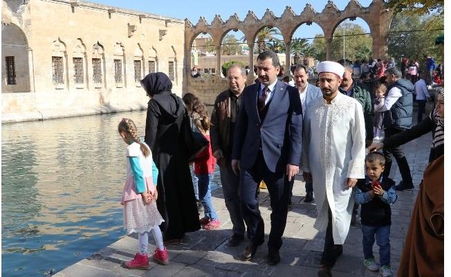 Başkan Baydilli'den Şazeli Ali Dede'nin Kabrine Ziyaret