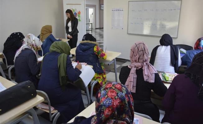 Başkan Aydın: Bilinçli kadın bilinçli toplumu oluşturur