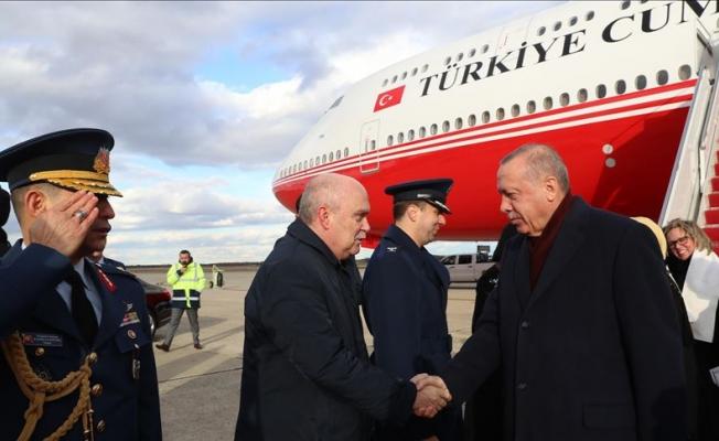 Erdoğan Türk bayraklarıyla karşılandı