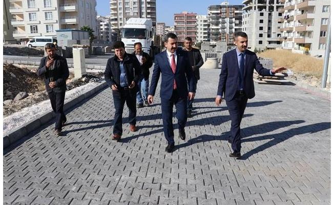 ''Karaköprü'de bozuk yol bırakmamak için uğraşıyoruz''
