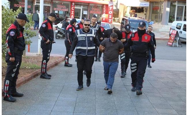 Telefon dolandırıcıları Akçakale'de yakalandı