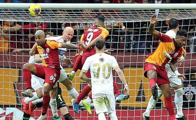 Galatasaray'a son dakika da şok!