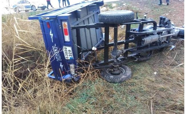 Otomobille motosiklet çarpıştı: 5 yaralı