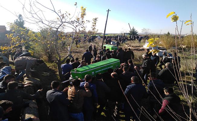 Silahlı kavgada ölen kardeşler toprağa verildi