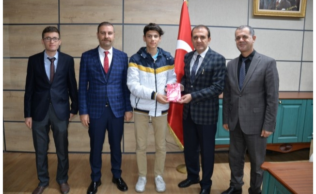 Yapıcıer, Türkiye üçüncüsünü tebrik etti!