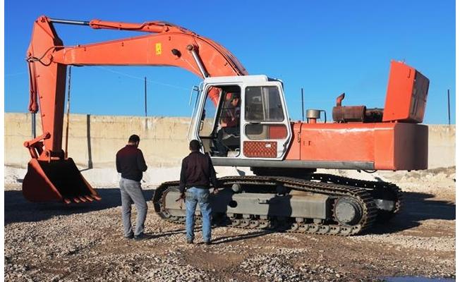 Akçakale'de Belediye araç parkına yeni araç