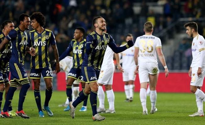 Fenerbahçe, çeyrek finale rahat çıktı
