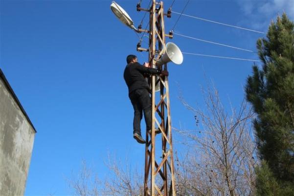 Harran'da bozuk hoparlörler onarılıyor