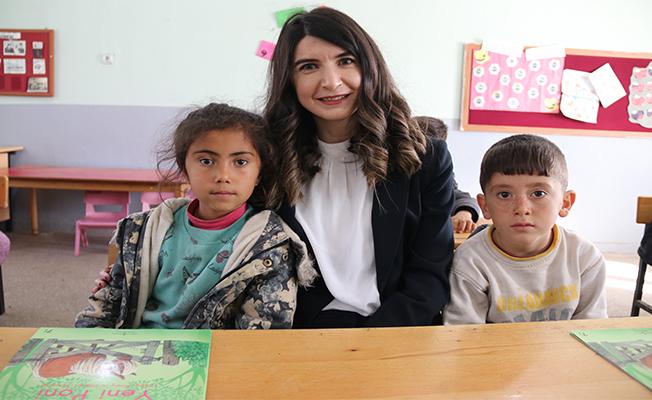 Savcı abla 1300 çocuğu kitapla buluşturdu