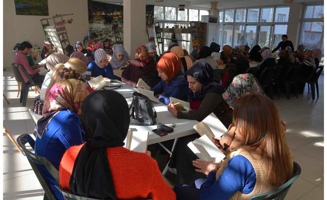 Siverek'te kadınlar okuyor