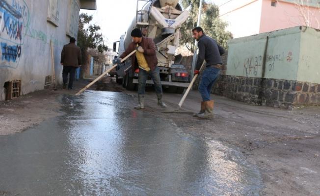 Siverek'te tahrip olan caddelerde onarım çalışmaları sürüyor