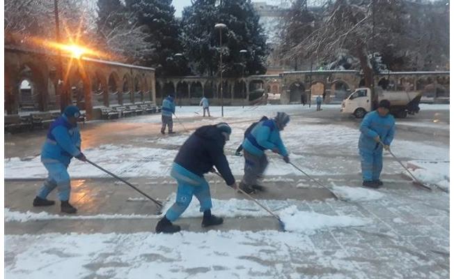 Eyyübiye'de kar nöbeti