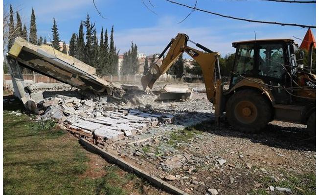 Haliliye'deki metruk binalar yıkılıyor