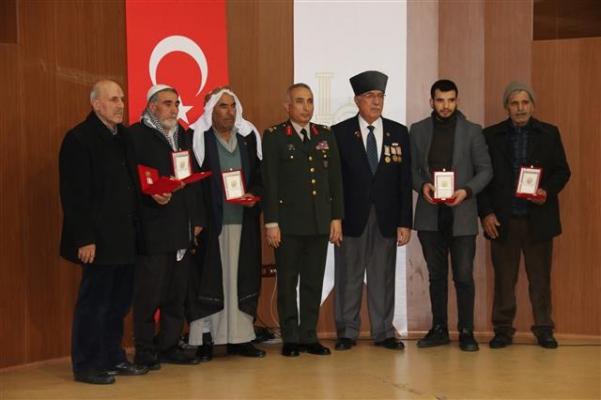 Şanlıurfa'da Kıbrıs gazilerine madalya ve berat verildi