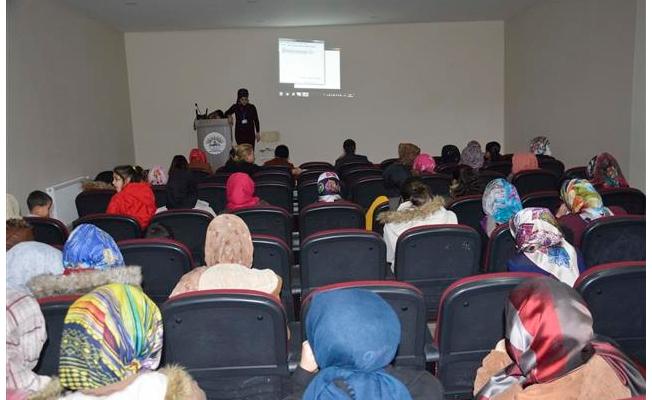 Siverek'te kadınlar seminerlerle bilgilendiriliyor