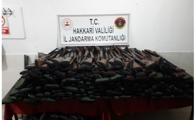 Hakkari'de 742 av tüfeği ele geçirildi