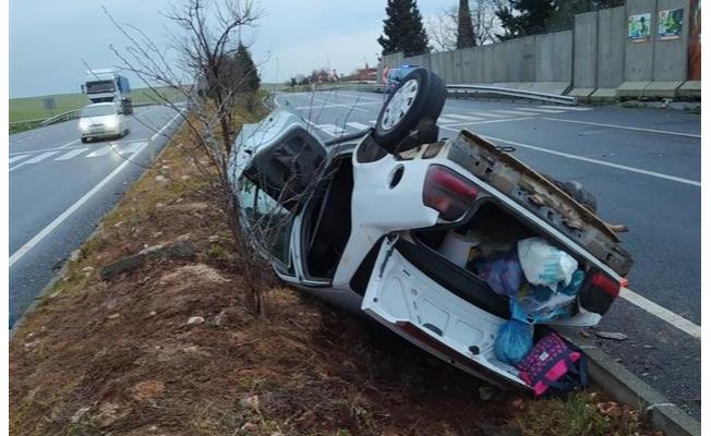 Şanlıurfa'da devrilen otomobildeki 8 kişi yaralandı