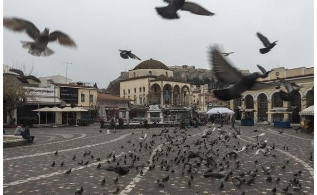 Yunanistan'da sokağa çıkma yasağı uygulanacak
