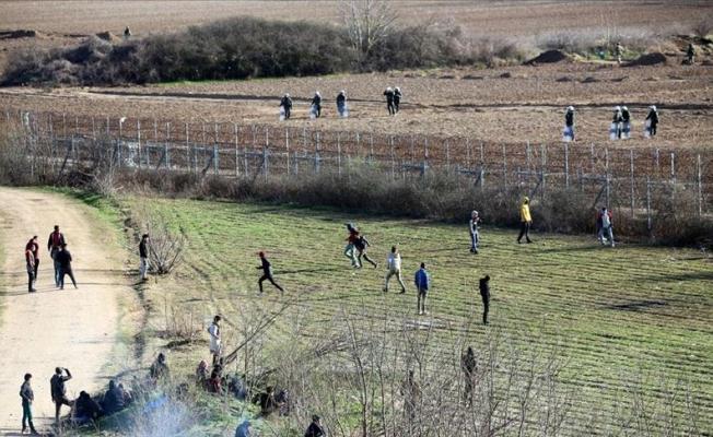 Yunanistan sığınmacıların umuduna 'ateş' ediyor