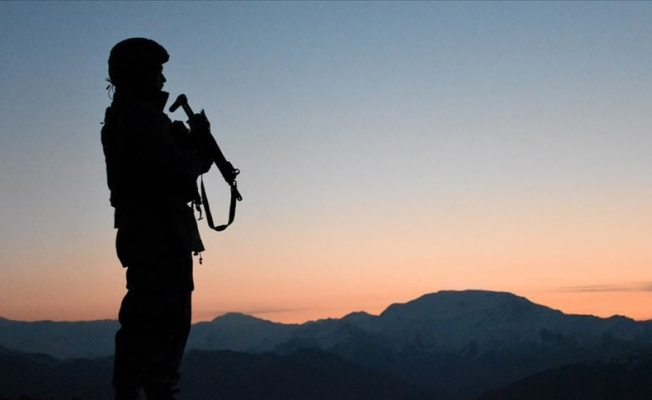 Hakkari'de 2 asker şehit oldu