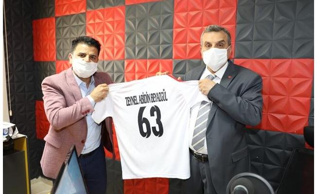 Beyazgül, Barış Pınarı FM'in konuğu oldu