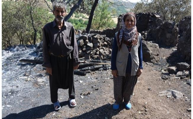 Evi yanan yaşlı çift destek bekliyor