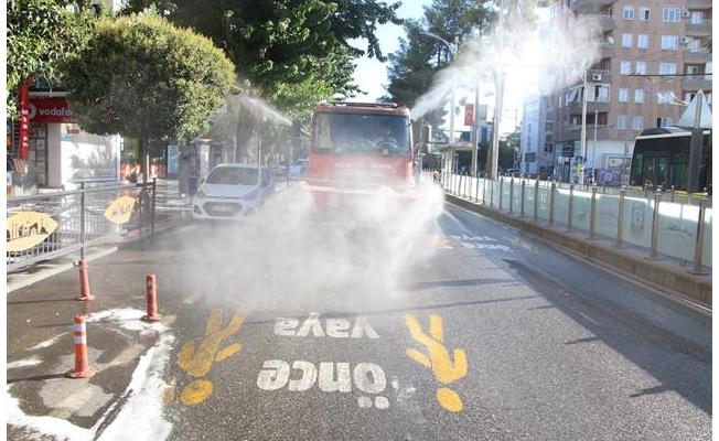 Haliliye'de sokaklar gül suyu ile yıkandı