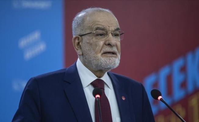 Karamollaoğlu: Milletimiz o gece tarihi bir rol üstlendi