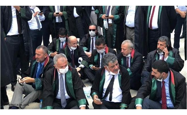 Öncel, Ankara girişinde oturma eylemi yaptı