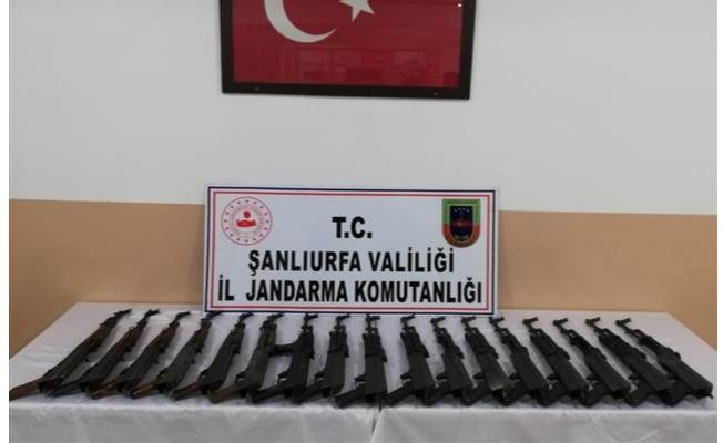 Urfa'da onlarca kalaşnikof silah ele geçirildi