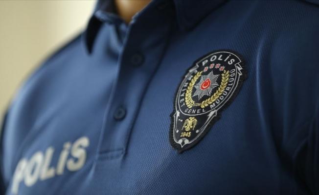Görevlerinden uzaklaştırılan polislere sosyal medyadan destek