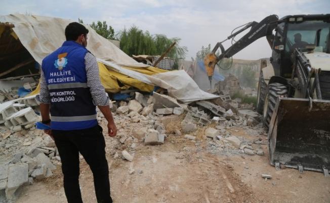 Haliliye'de Kaçak Yapıyla Mücadele Sürüyor