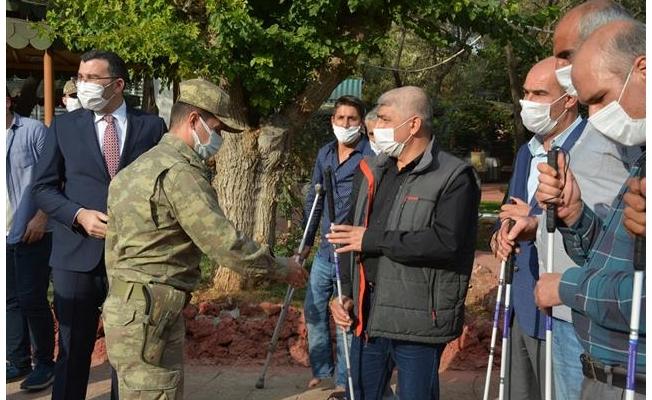Siverek'te askerlerden engellilere destek