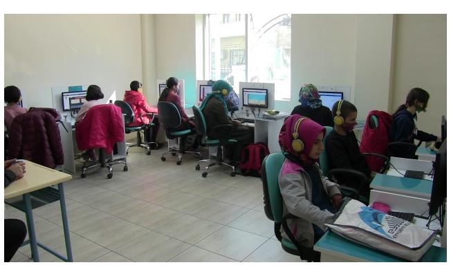 Eyyübiye'deki EBA merkezine yoğun ilgi