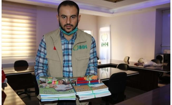 Suriyeli Yasin depremzede öğrencileri duygulandırdı