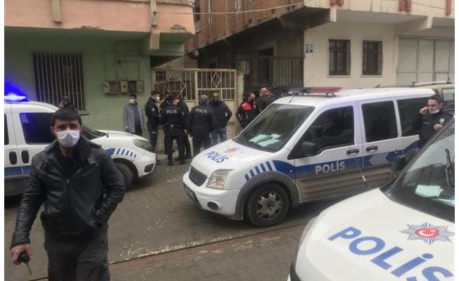 Bıçakla yaralanan polisler taburcu oldu